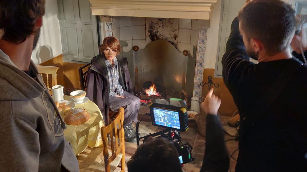 Detalle de la filmación de una escena de «Maquis» protagonizada por la actriz ourensana Zaida Alonso
