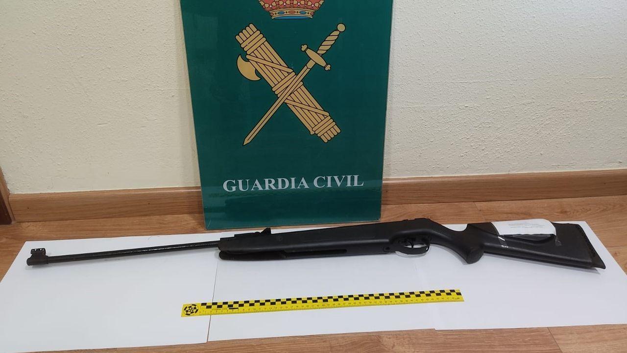 Carabina intervenida por la Guardia Civil