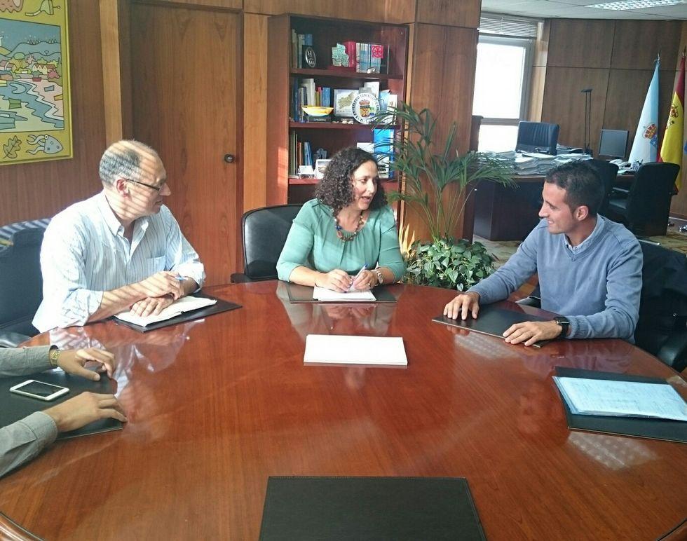El encuentro se celebró en el despacho de la delegada provincial.