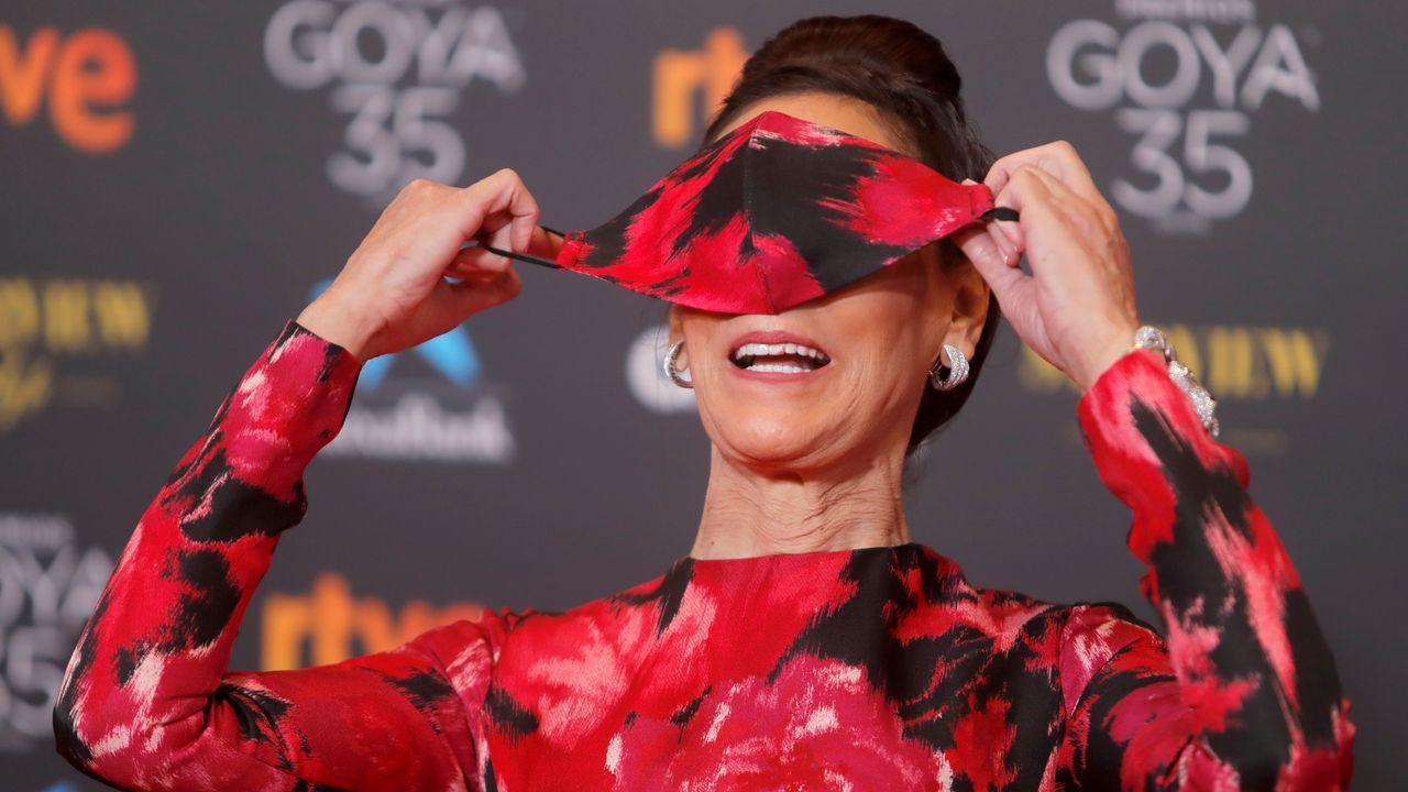 María Barranco posa en la alfombra roja.
