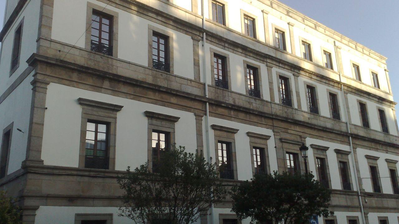 Hospital Asilo de Ribadeo, en foto de archivo