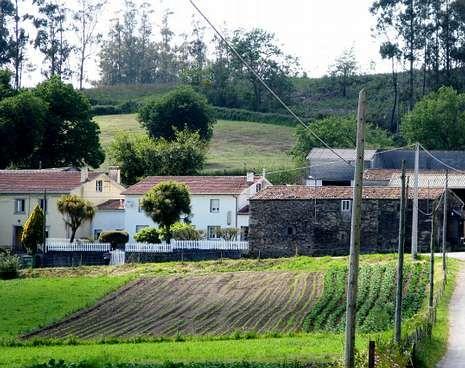 El recinto amurallado romano podría estar en esta aldea.