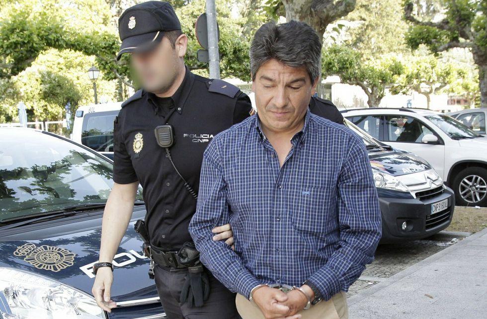 Un enfrentamiento que viene de lejos.Juan Carlos Pernas, conducido a la Audiencia para juicio el 26 de junio de 2013.
