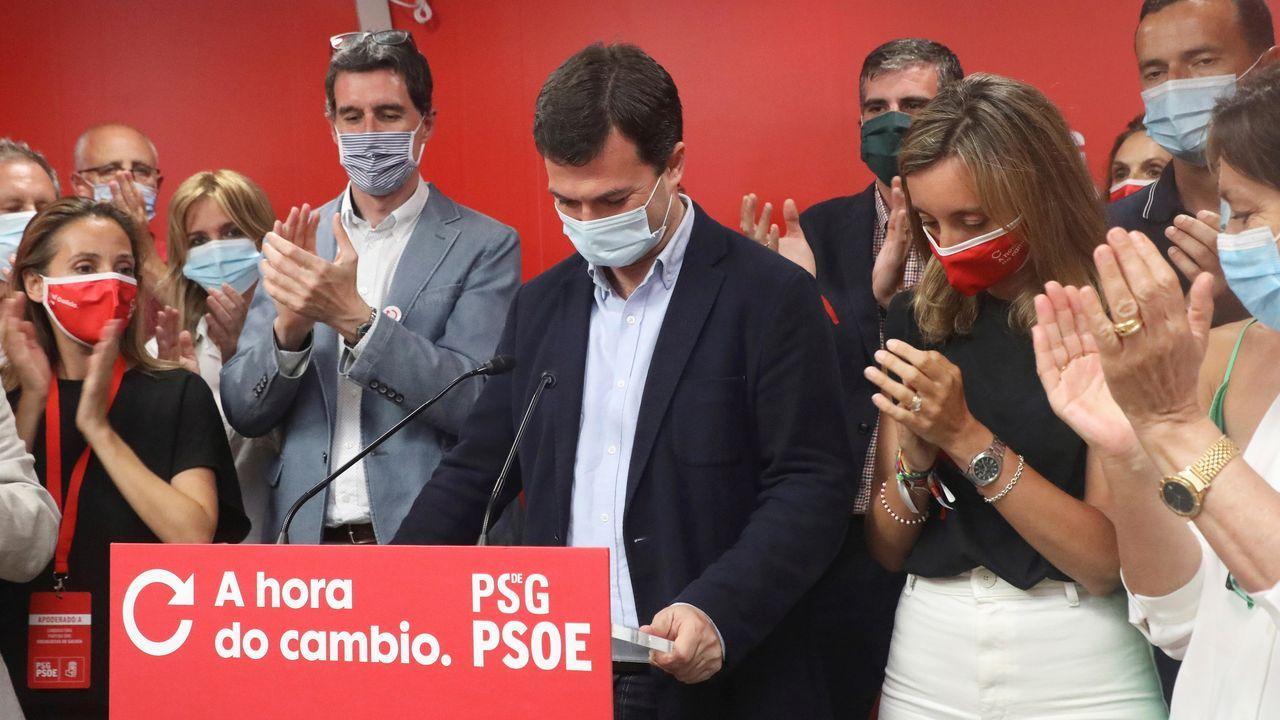 Gonzalo Caballero no pudo evitar lamentar el resultado del PSOE, que pese a que mantiene el número de escaños, tenía otras expectativas