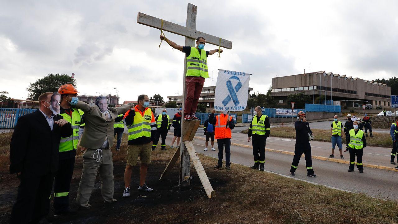 Vídeo de la protesta en San Cibrao de los «crucificados» por Alcoa