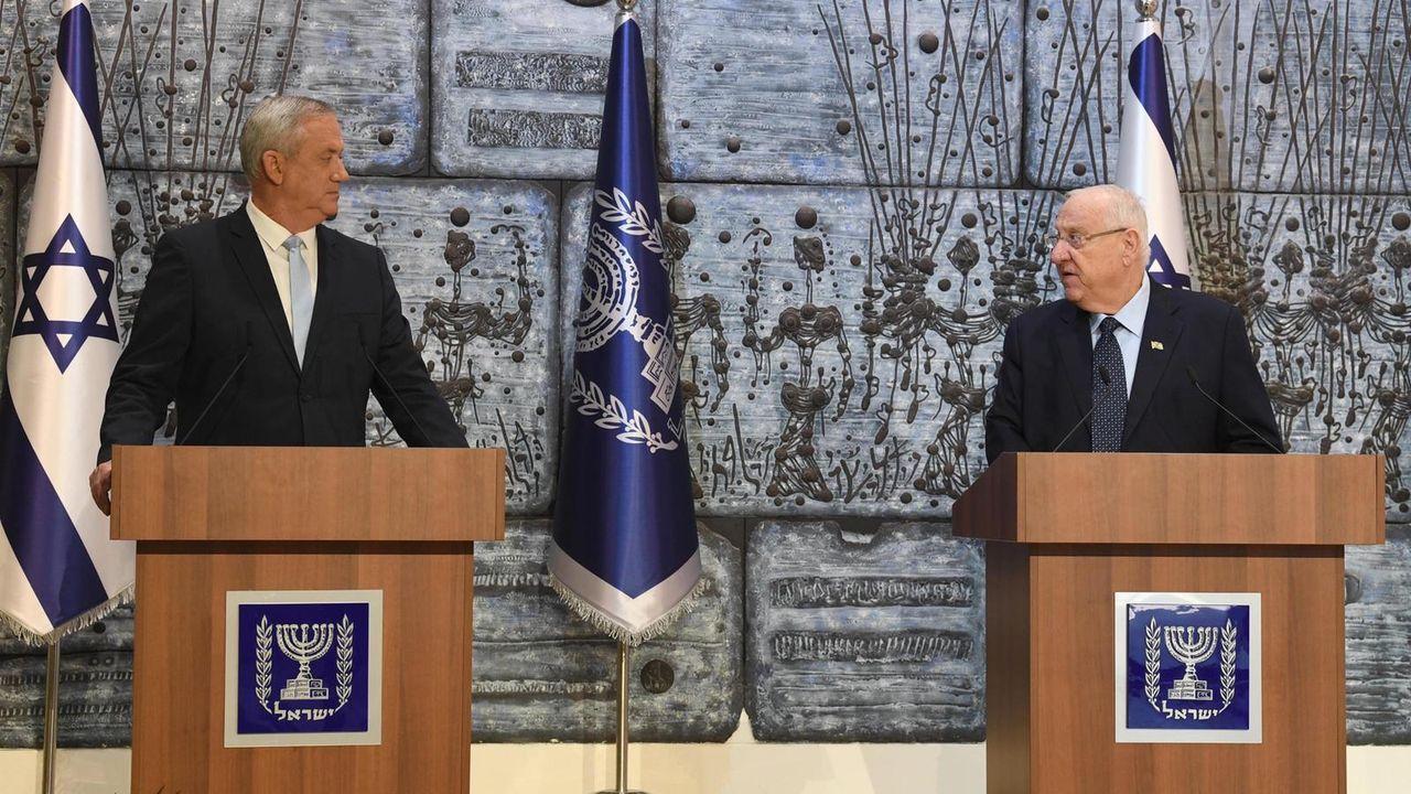 Beny Gantz y el presidente Rivlin, en una conferencia de prensa en marzo