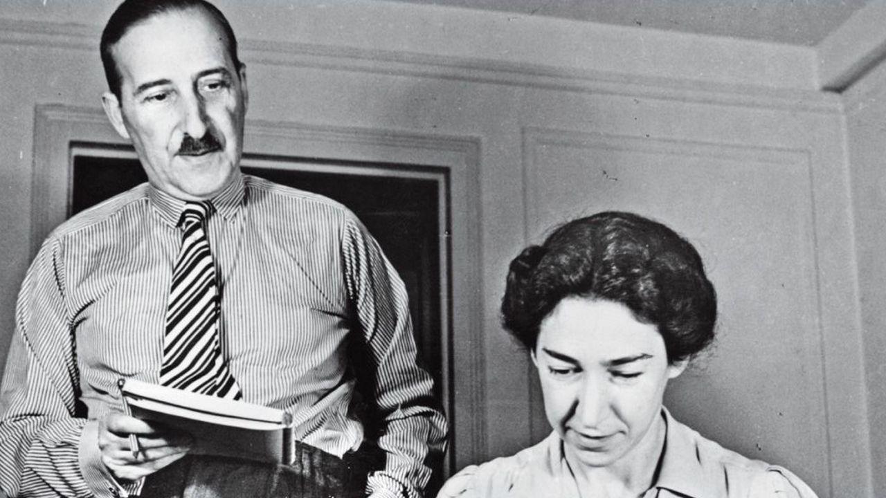 stefan.Unos 280 manuscritos de Stefan Zweig están disponibles para el público en la página web facilitada por el Literaturarchiv Salzburg de Austria. Por primera vez se reúnen y abren a los lectores los cuadernos originales de obras como  Montaigne  y  El mundo de ayer . Se pueden hojear en la web stefanzweig.digital