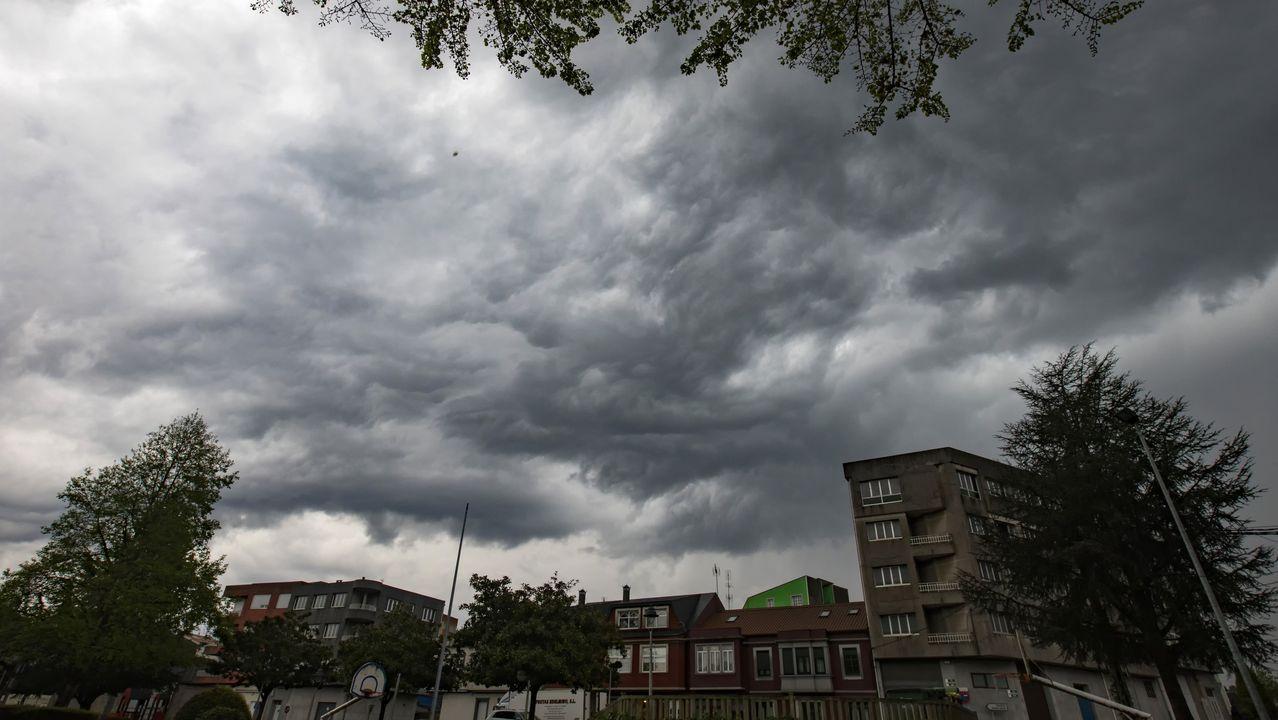 El débil anticiclón de las Azoresmantiene a Galiciasin sol.Las tormentas han sido protagonistas en la última semana en Galicia
