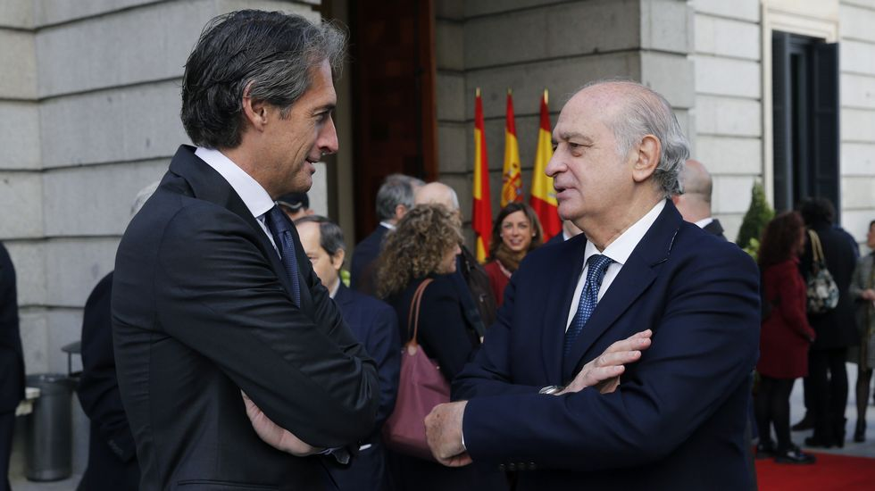 Vías del centro de Avilés que se soterrarían con la propuesta del PSOE.Iñigo de la Serna y Fernández Díaz.