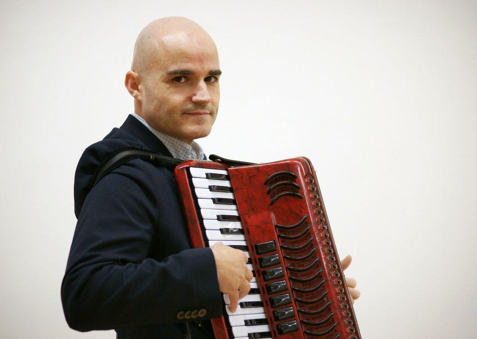 El acordeonista estuvo este mes en Ourense y habló de su trayectoria en diversos foros.