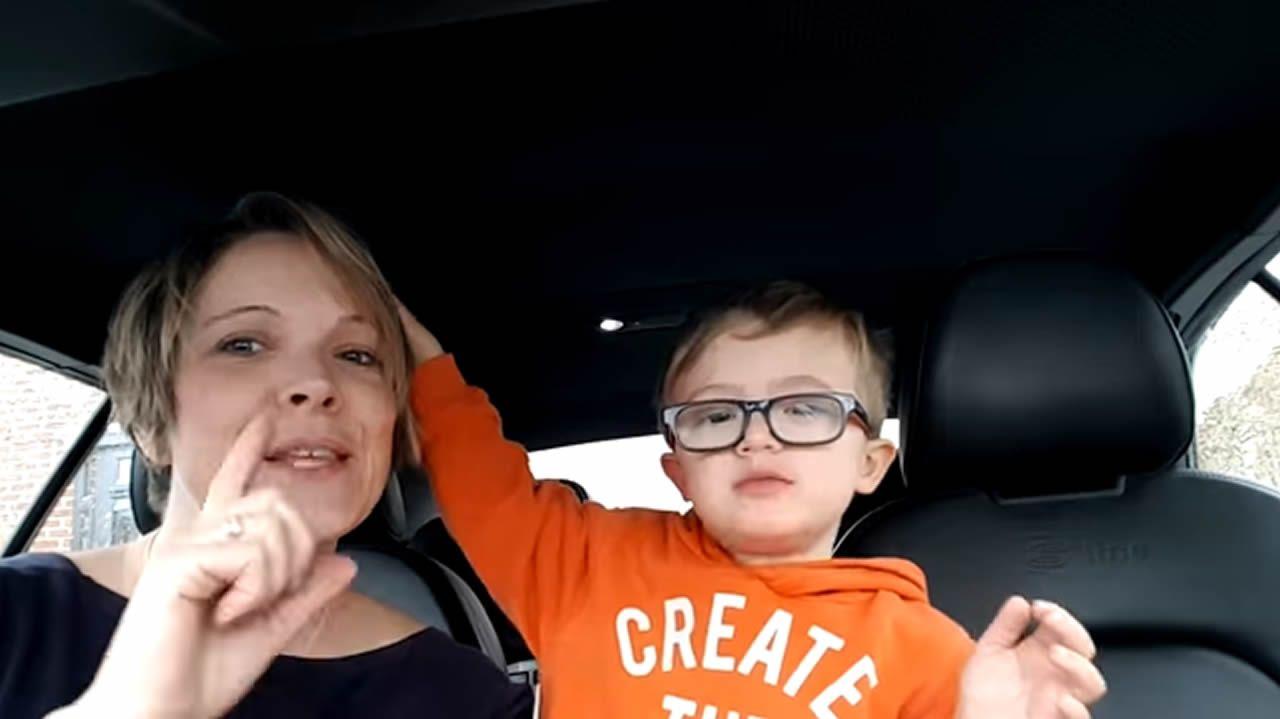 50 madres y sus 50 hijos con síndrome de Down cantan para cambiar tu percepción del trastorno