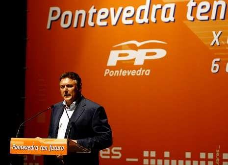 Martín, cuando resultó elegido presidente local, puesto que cederá ahora en un nuevo cónclave.