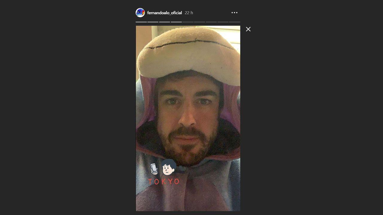 Alonso se despide por todo lo alto en Abu Dabi.Fernando Alonso disfrazado para ir a los karts