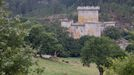 En el municipio de Palas de Rei se sitúa esta fortaleza del siglo XIV.