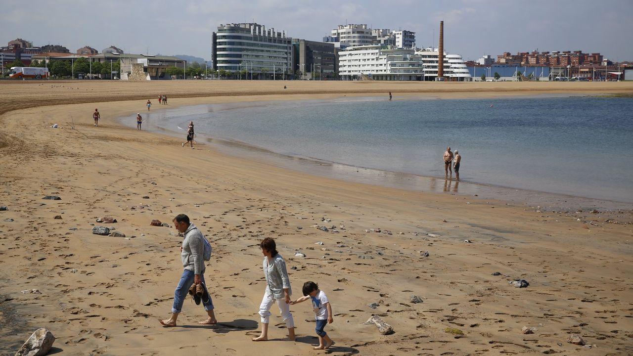 Las imágenes de la cumbre sobre el futuro del puerto de A Coruña.Playa de Poniente