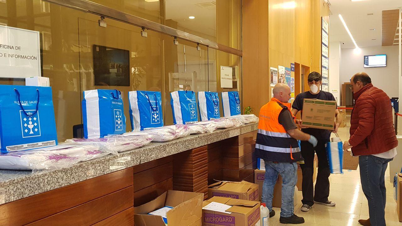 Reparto de material contra el coronavirus desde la Delegacion de la Xunta en Ourense