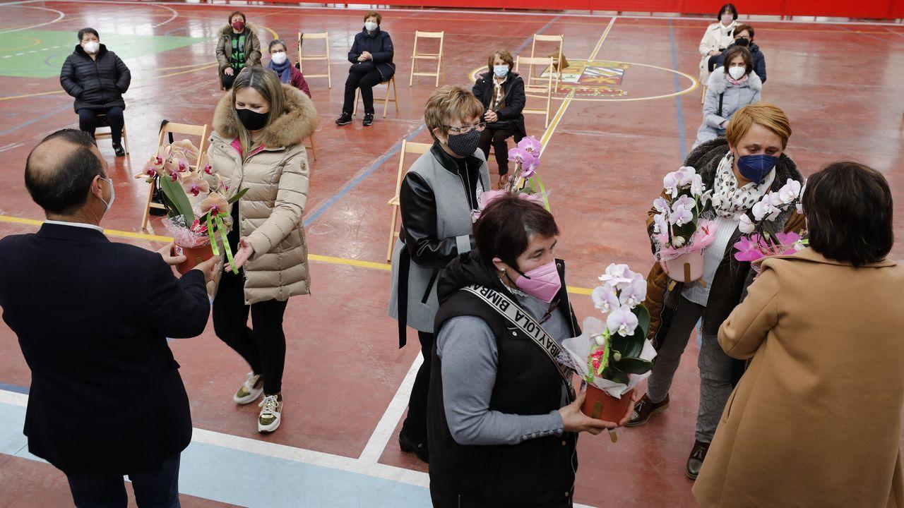 Xove organizó el sábado un homenaje a las mujeres que cosieron mascarillas por el covid-19