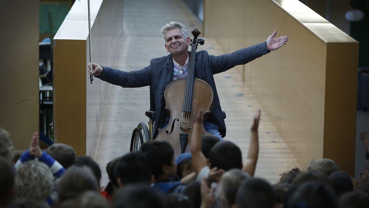«Él necesitaba público y nosotros un músico»