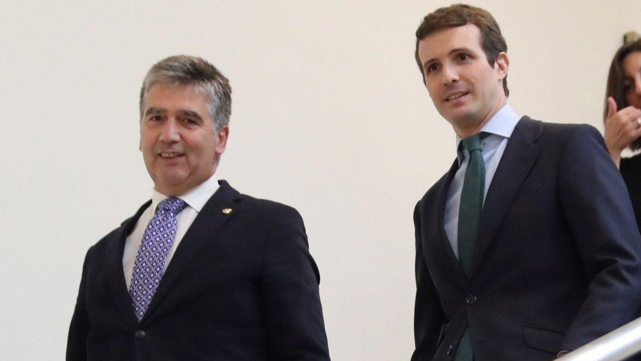 Pablo Casado y Pedro Sánchez se reprochan el bloqueo en la renovación del CGPJ.Manuel Marchena, en una imagen de archivo, hablando con la ministra de Trabajo en funciones, Magdalena Valerio