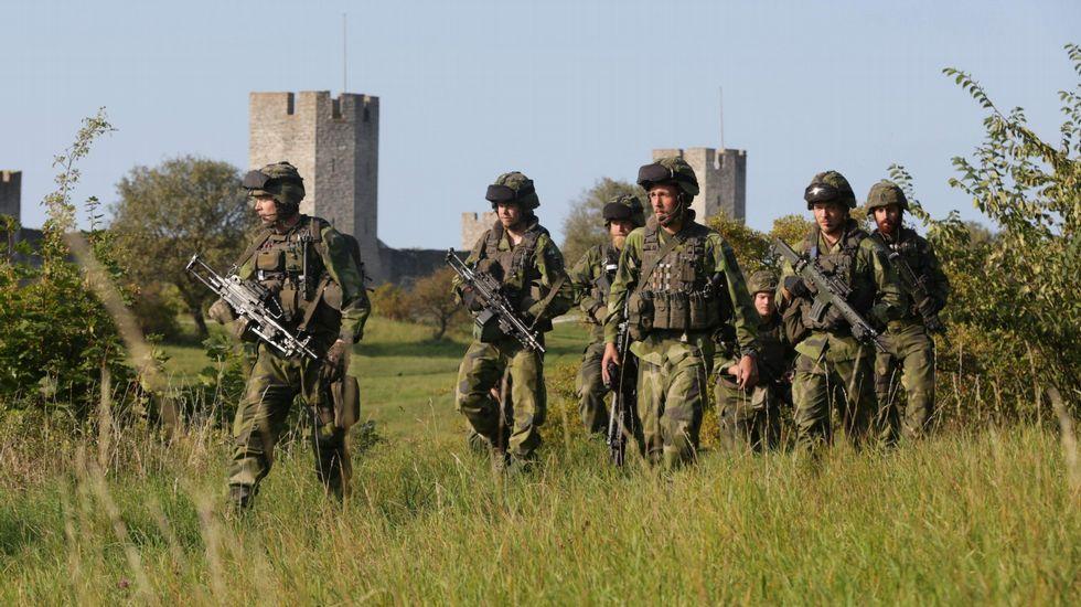 Soldados suecos de maniobras