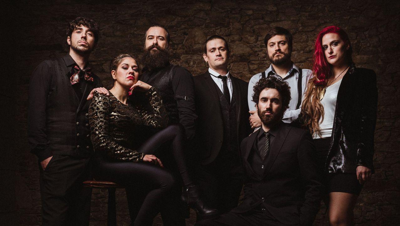 Triángulo de Amor Bizarro actuando en el festival O Son do Camiño 2018