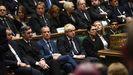 Dominic Raab, sentado junto a Boris Johnson en la Cámara de los Comunes