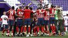 En una Liga en la que el Barça ha perdido a Messi y el Madrid a Ramos y Varane, el vigente campeón, el Atlético de Madrid, se presenta como el rival a batir por todos. El conjunto de Simeone, que sí ha invertido en refuerzos, parte con el cartel de favorito en la carrera por el título