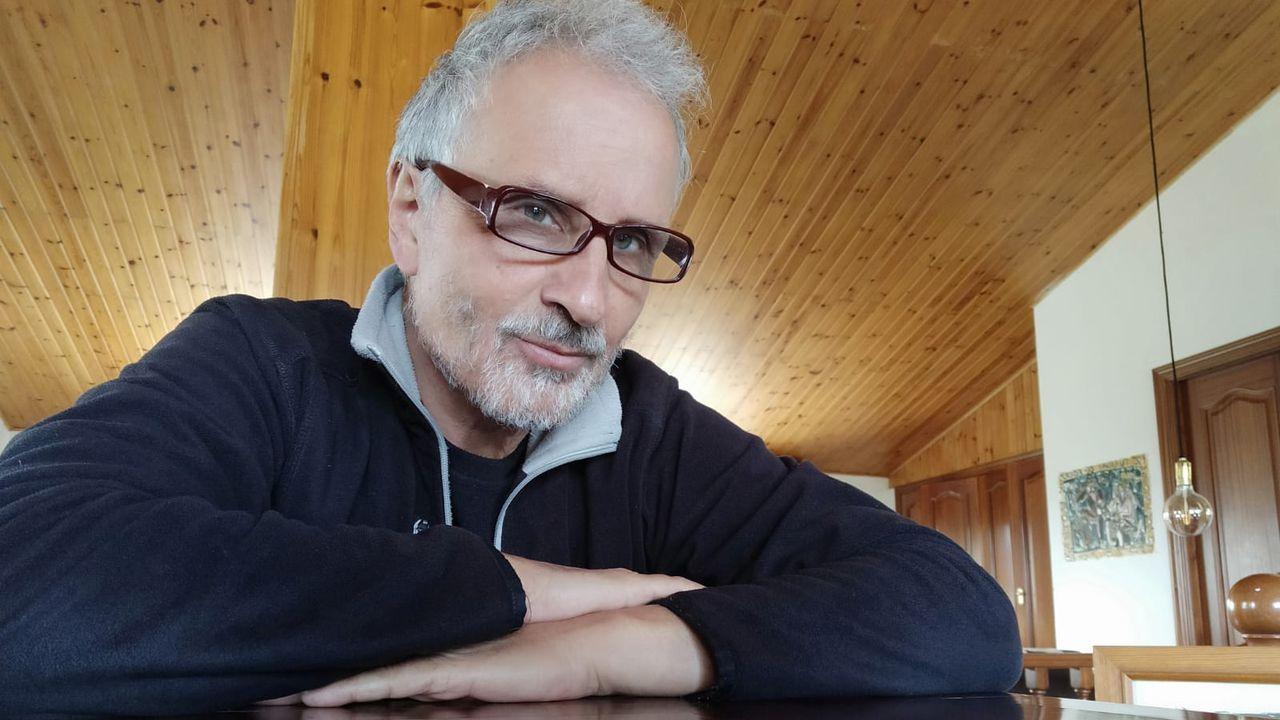 buenasuegra.Santiago Saiz, fogógrafo e ilustrador, autor del libro  Aprendí de lo que había olvidado