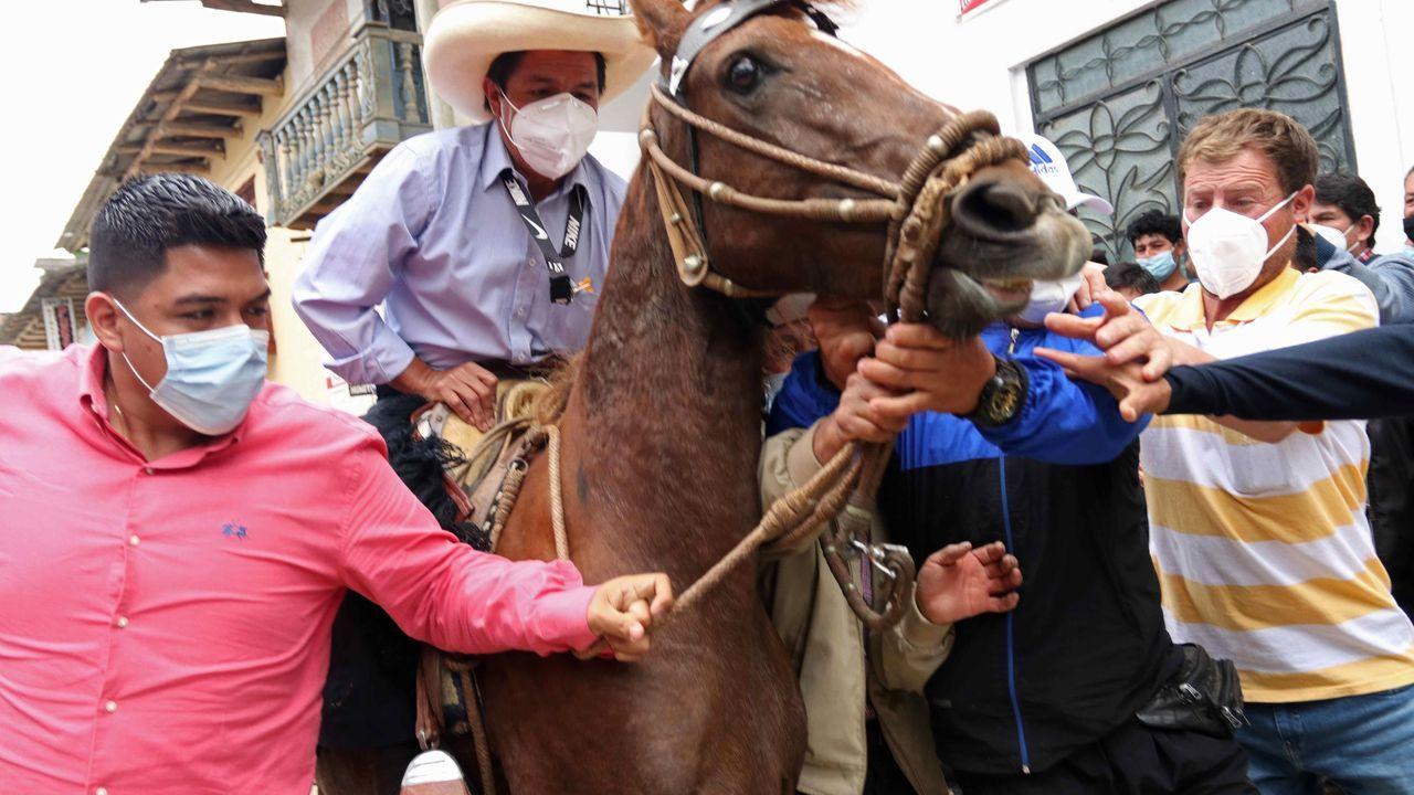 La jornada de limpieza de Coidemos Lugo, en imágenes.El candidato a la presidencia de Perú, Pedro Castillo