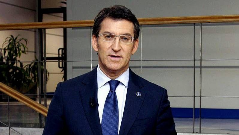 Feijóo insta a «conservar el espíritu de Angrois».El conselleiro Agustín Hernández predicó con el ejemplo y acudió a donar sangre.