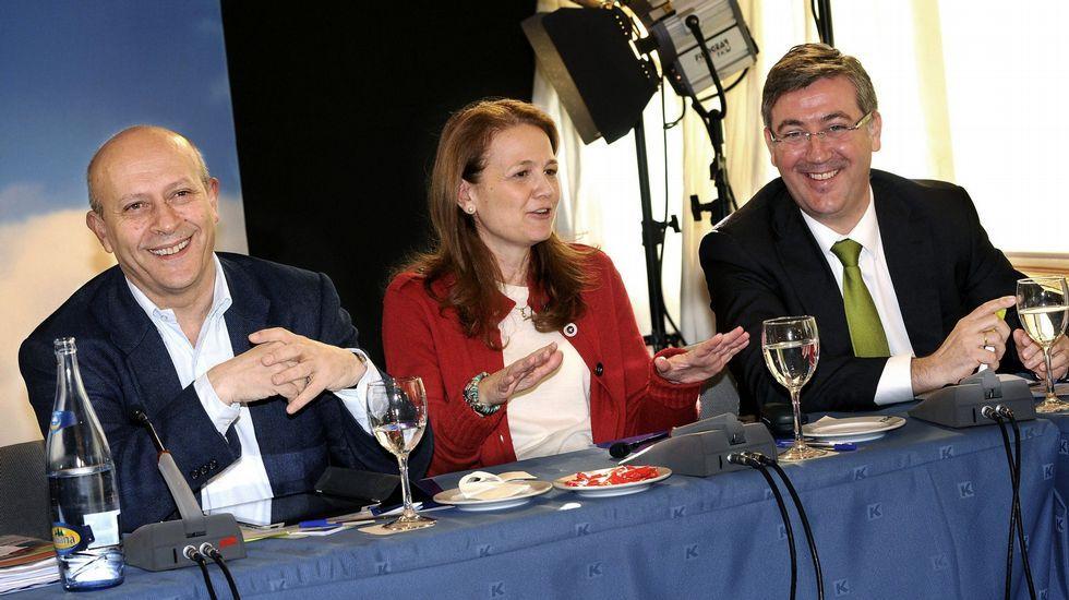 Marín, a la derecha de la imagen, junto a Wert y Gomendio.