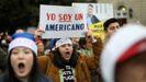 Los jóvenes inmigrantes celebraron la sentencia con una concentración ante las puertas del Supremo