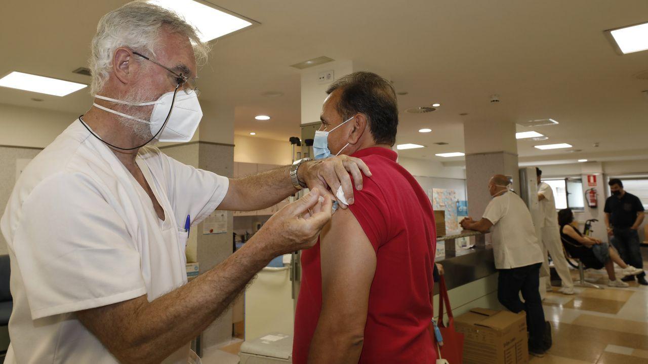 Enamórate de las cascadas de A Mariña.Imagen de la vacunación en el hospital de Burela
