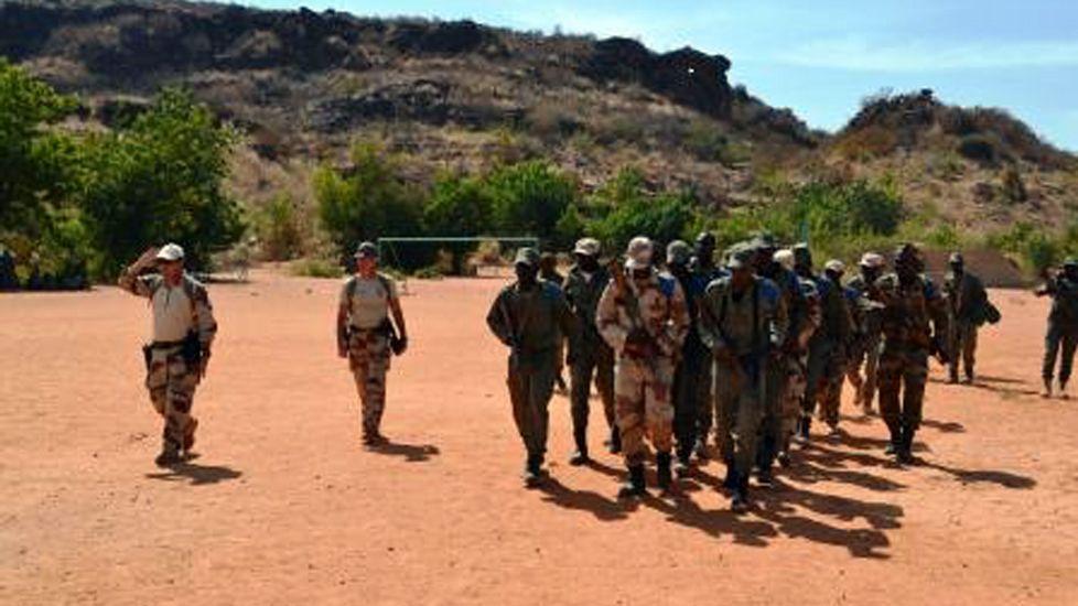 ¿Qué está pasando en Mali?.Traslado de rehenes liberados del hotel de Mali