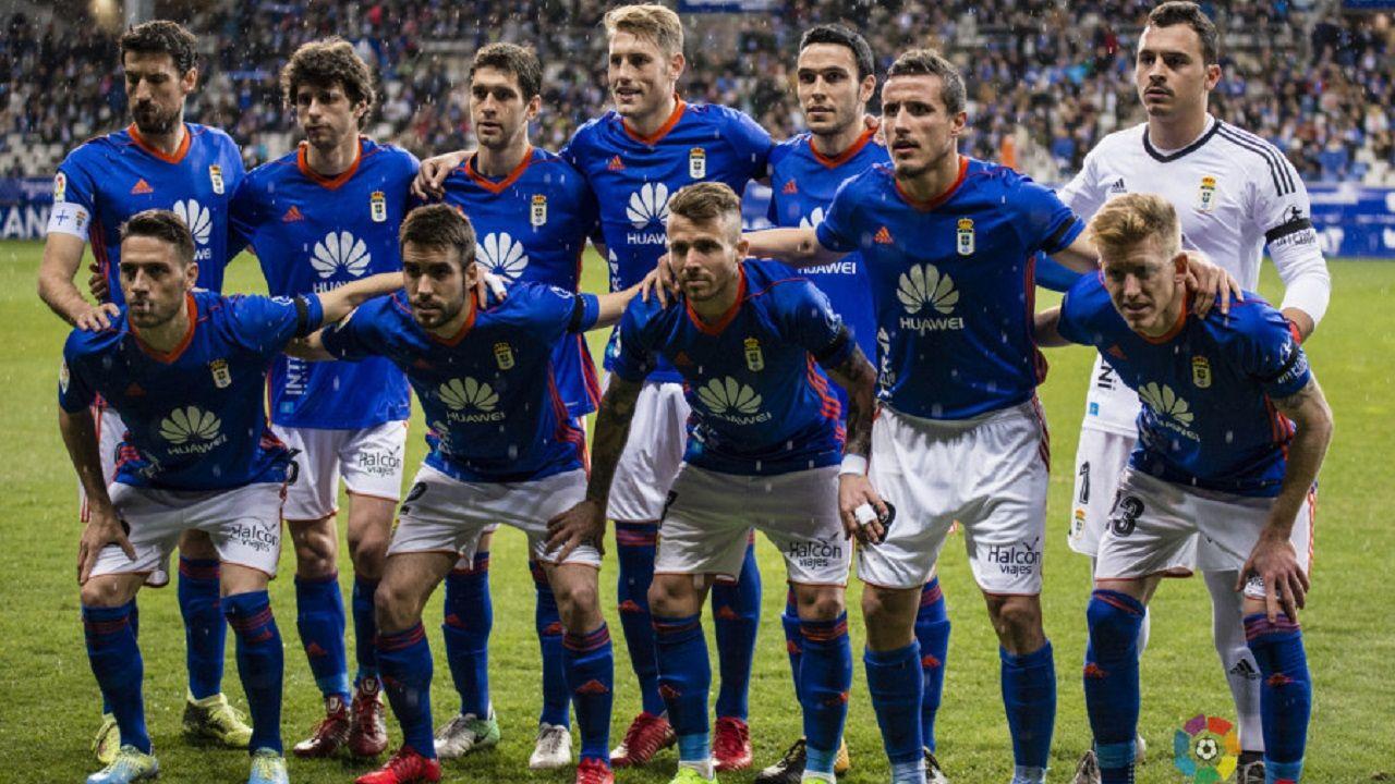 Once inicial del Real Oviedo ante el Barça B