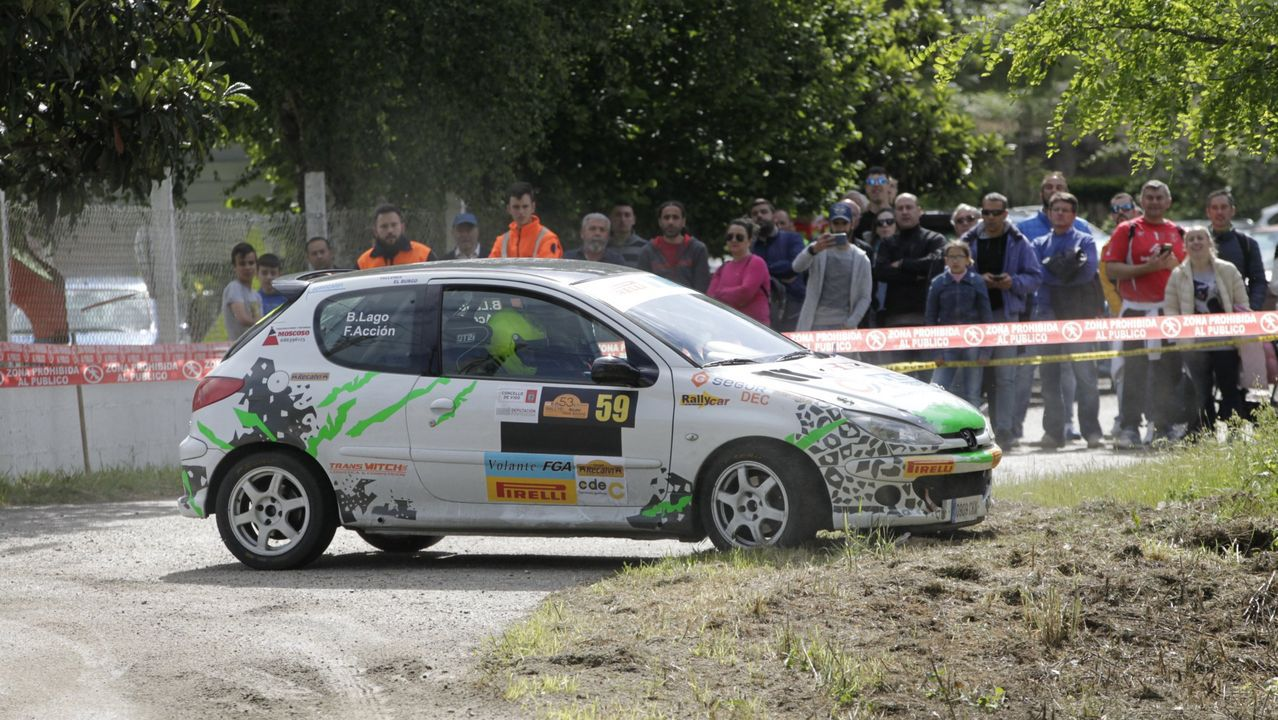 Parque cerrado del Rallye Princesa de Asturias en la céntrica calle de Uría de Oviedo