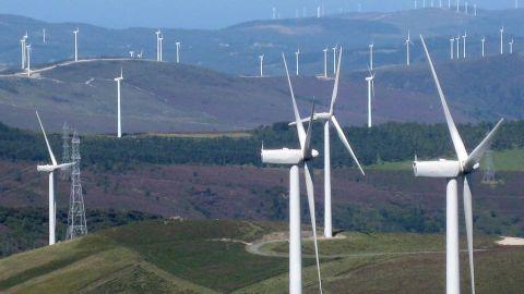 El paisaje de los molinos de viento en  Muras.