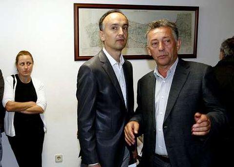 Xaquín García, anterior alcalde, y Jose Luis García López, nuevo regidor.