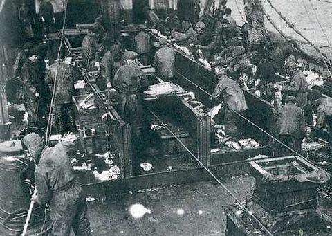 Los bacaladeros pescaban en aguas de Terranova y se trabajaba en cubierta en condiciones durísimas