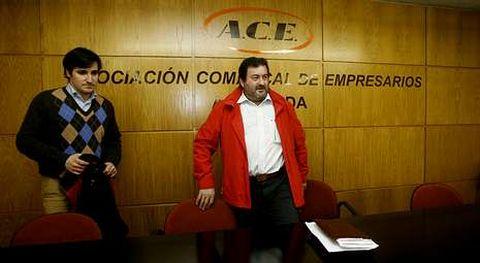 García Neira ?izquierda? respalda la aprobación del PXOM; Figueiras lo analizará con la directiva de ACE.