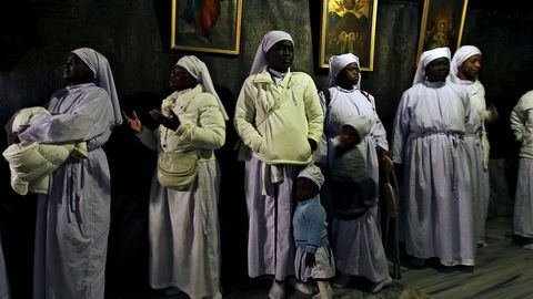 Peregrinos de todo el mundo visitan la Gruta de la NAtividad, donde la tradición cristinana cree qe la Virgen María dio a luz a Jesucristo