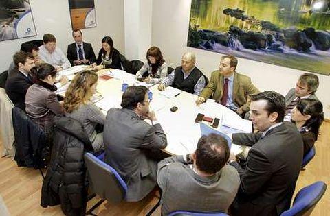 El consejo de administración de Augarsa se reunió a las diez de la mañana de ayer.