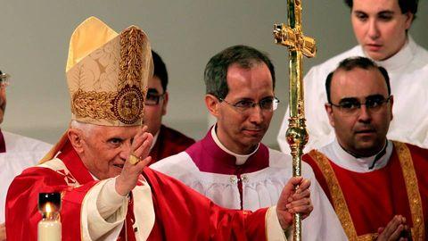 Una vez elegido pontífice reconoció a sus amigos estar listo para «cualquier función que Dios le atribuyera»