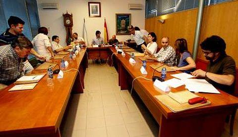 La corporación de Vedra aprobó sin fisuras la propuesta del PSOE sobre el cobro del IBI.