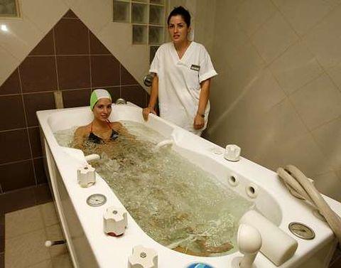 Las aguas del balneario de Carballo están indicadas para el tratamiento de seis tipos de patologías diferentes.