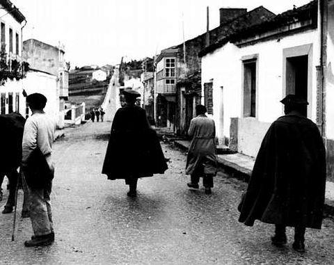 «Antonio Torres Heredia [...] viene sin vara de mimbre entre los cinco tricornios»