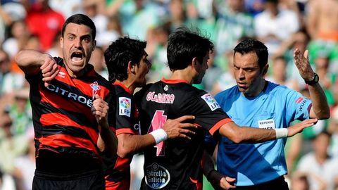 Túñez protesta la anulación del gol