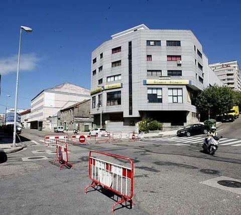 <span lang= es-es >Zona en la que se sitúa la unidad móvil</span>. A partir de ahora los usuarios tendrán que acudir a la calle Paz entre la calle Jacinto Benavente y la avenida de Beiramar.