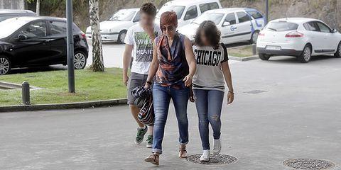 Sandra Ortega y sus hijos llegan al tanatorio donde se vela a Rosalía Mera