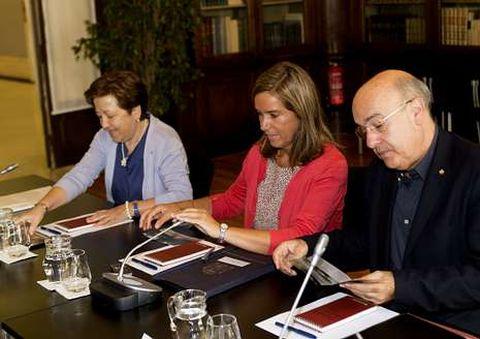 Pilar Farjas, Ana Mato y el consejero catalán, Boi Ruz.